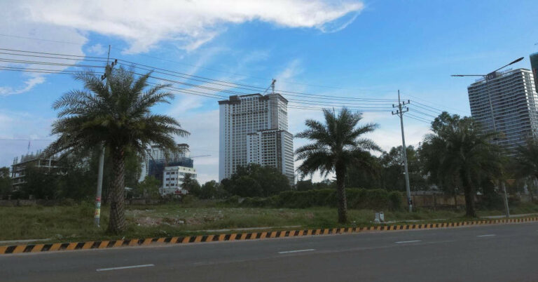 Neue Hochhäuser entstehen in Sihanoukville.