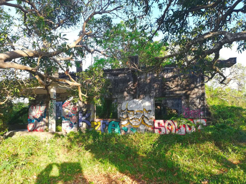 Haus-Ruine in Kep.