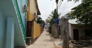 Eine enge Gasse in Sihanoukville.