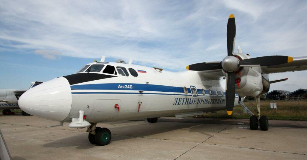 Flugzeug vom Typ Antonov An 24B
