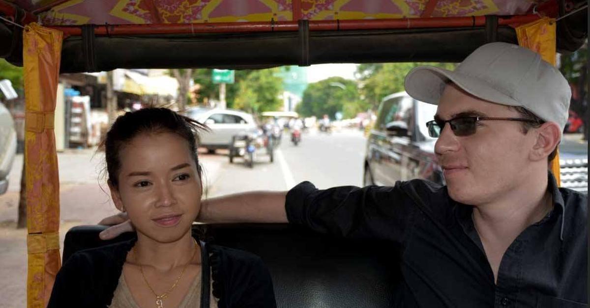 Mein Freund Gunnar und seine Freundin im Tuk Tuk in Sihanoukville.